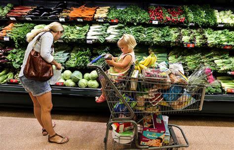 three heavyweights dominate the houston grocery market