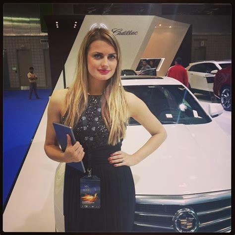 girls   qatar motor show  autoevolution