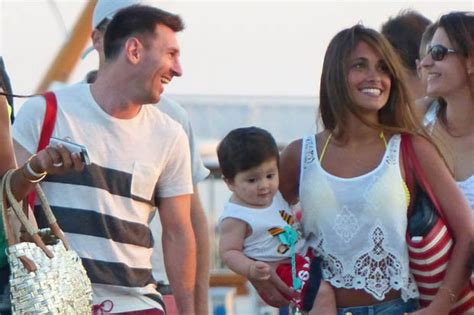 messi and wife football barcelona lionel messi girlfriend antonella