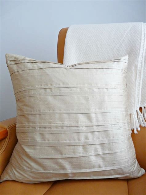 diy silk pillowcase diy pintucked silk pillow dans le lakehouse