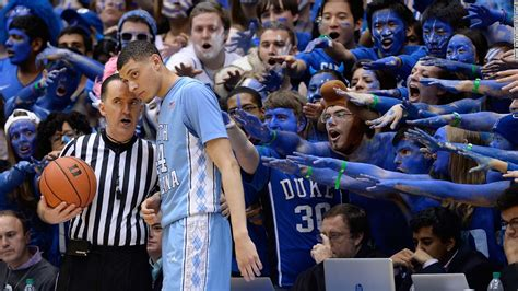 12 Basketball Fans Couples Edition by What A 75 Amazing Sports Moments From 2015