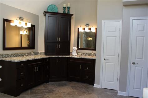 Medallion Gold Cabinets by 17 Best Images About Beautiful Bathrooms On