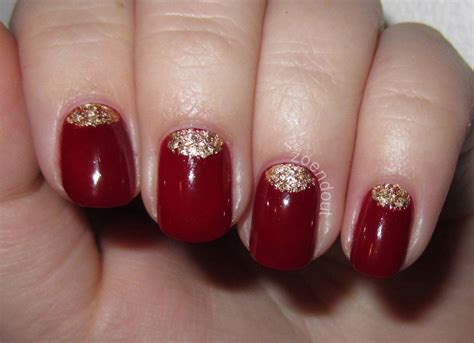 zoendout nails gold leaf  moon