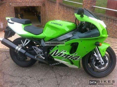 2000 Kawasaki Zx7r by 2000 Kawasaki Zx7r
