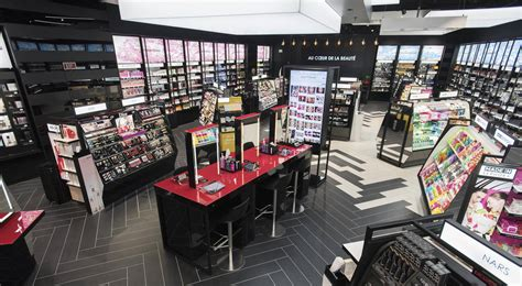 Parfum Sephora sephora rolls out new sephora experience connected store