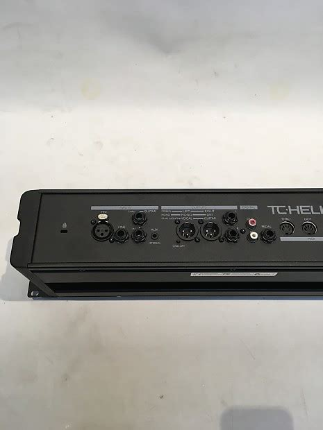 tc helicon voicelive rack reverb