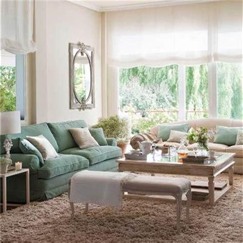 decorar sala sofa verde claro las 25 mejores ideas sobre sala de estar marr 243 n en