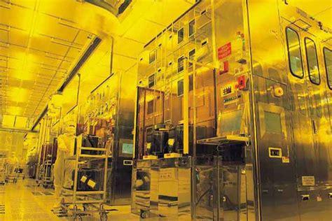 iphone supplier tsmc shut  factories  virus