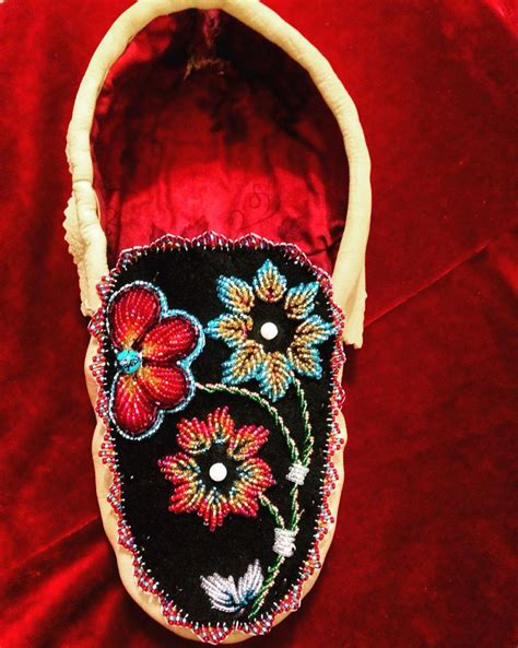 beadwork raised s moccassins iroquois style raised beadwork