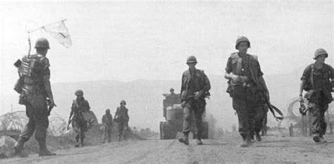 khe sanh siege in the clouds books battle of khe sanh wiki