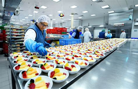 emirates flight catering wikipedia the emirates experience