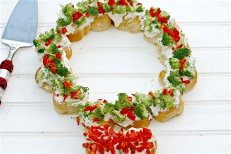 christmas wreath appetizers herbed cheese wreath dishin dishes