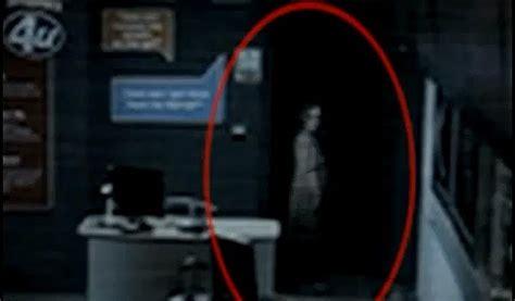 Cctv Kecil hantu gadis kecil terakam dalam cctv kedai telefon