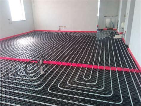 impianto a pavimento foto impianto a pavimento salone con giunto elastico di