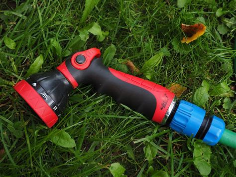 Best Garden Hose by Guide To The Best Garden Hose Nozzles Sproutabl