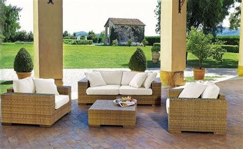mobili per giardini arredamento esterni accessori da esterno scegliere gli