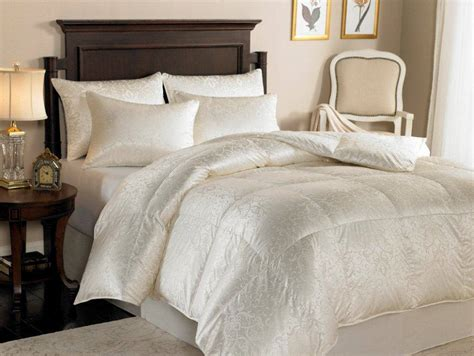 down comfort downright eliasa 920 canadian white goose down comforter