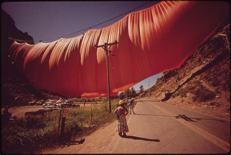 the valley curtain christo and jeanne one artist in two bodies idaaf