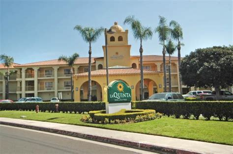 Apartment Deals In Orange County Ca La Quinta Inn Suites Orange County Santa Ca