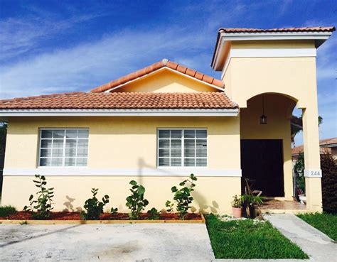 bahamas house rentals bahamas real estate on nassau for sale id 15014