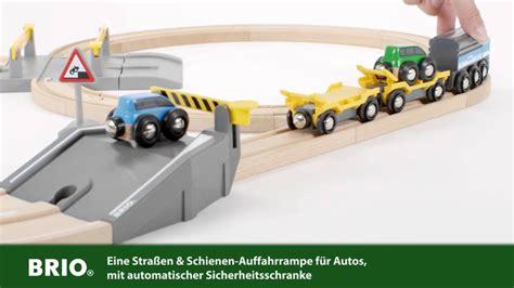 brio car transporter brio car transporter rail and road set 33212 deutsch youtube