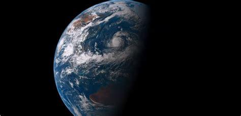 un selfie de la tierra desde el espacio completa de d 237 a as 237 se ve un d 237 a en el planeta tierra desde el espacio video