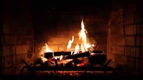 Hd Fireplace by Fireplace With Crackling Sounds Hd