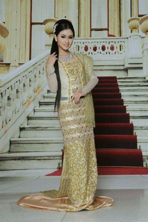 90 best images about kebaya 90 best images about myanmar dress on pinterest pink