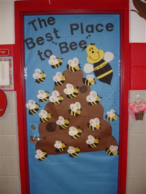 how to decorate your classroom for back to school youtube 25 best ideas about school door decorations on pinterest