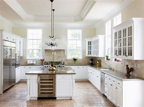 minimalist white kitchen decorating design