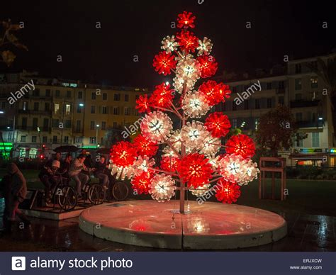 images of christmas tree using recycled materials christmas tree made of recycled materials in promenade du