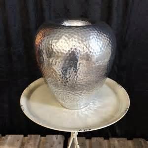 silberne vase vase blumenvase deko aluminium hammerschlag schale silber