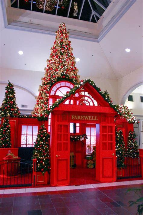 mall christmas displays google search christmas magc christmas settings christmas stage