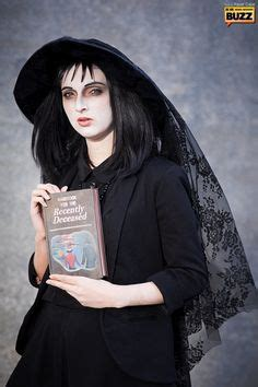 lydia deetz hairstyle beetlejuice costumes and good costumes on pinterest