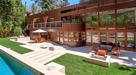 Square Kitchen Island billionaire charles koch buys 5 25 million property in la