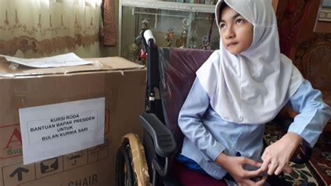 Kursi Roda Yang Baru punya dua kursi roda baru bulan pengirim surat ke