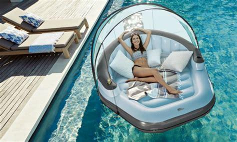 luchtbed zwembad lidl de lidl duikt in de opblaashype en komt met geniaal lounge