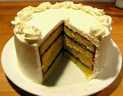 file pound layer cake jpg wikimedia commons