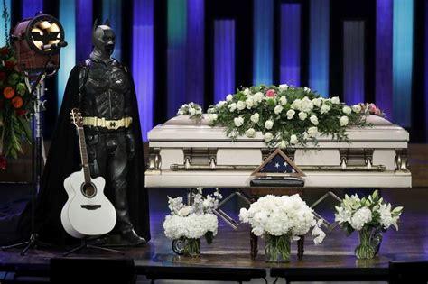 pollstar honor troy gentry at opry memorial