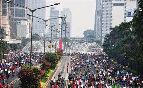 Jakarta Car Free Day klabjalanjalan car free day jl jend sudirman jakarta