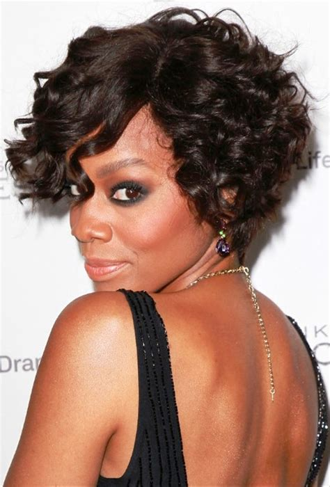 how to curly a short bob hairstyle pictures of anika noni rose short curly bob hairstyle