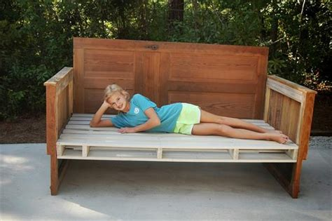 pallet day bed wooden pallet daybed ideas pallet wood projects