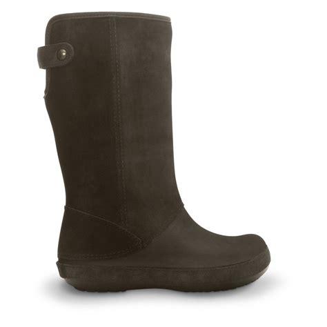 boots crocs crocs berryessa suede boot espresso espresso buffed