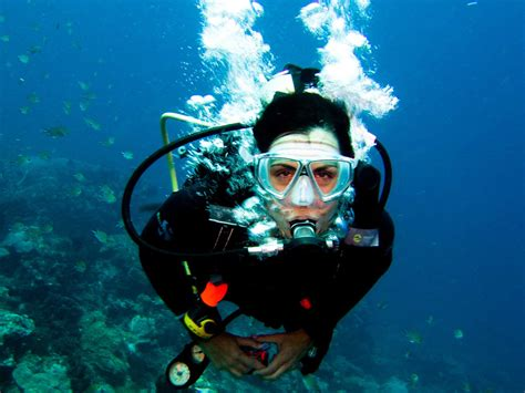 commercial diving vs scuba diving divers institute of