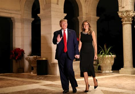 trumps  americans merry christmas   mark holiday pbs newshour