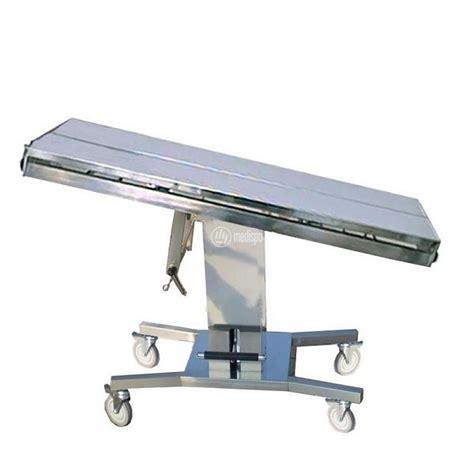tavolo operatorio tavoli operatori per veterinaria con ruote e piani a libro