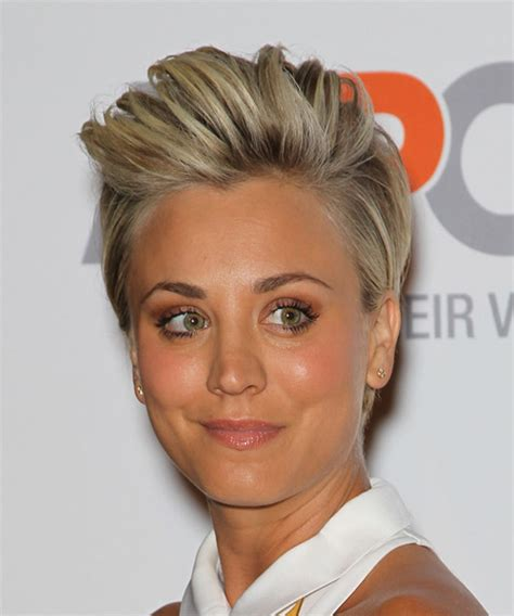 kaley cuoco new short hairdo kaley cuoco short straight casual hairstyle medium blonde