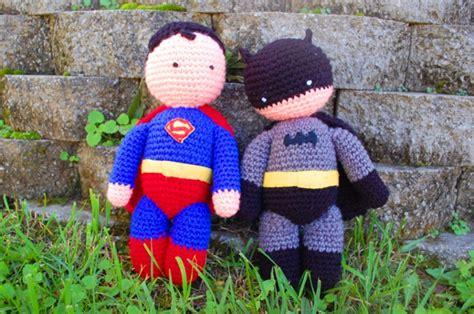 crochet superman logo pattern free batman superman imagine