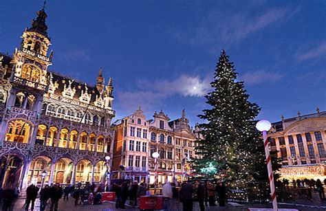 christmas market bruxelles belgium christmas tree