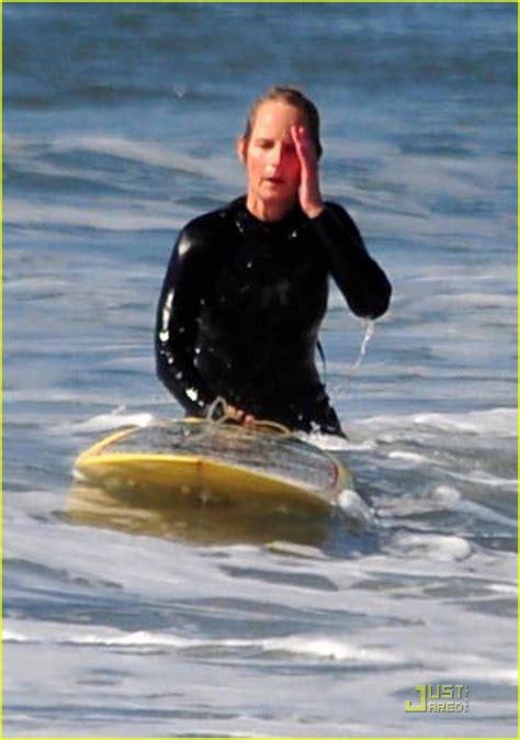 helen hunt surfing helen hunt surf s up photo 2425389 helen hunt